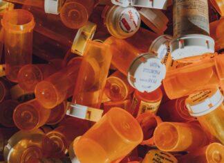 Pharmaceutical pill bottles